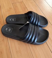 Nove Gap sandale