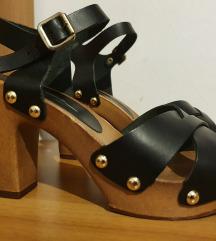 Crne sandale sa visokom petom