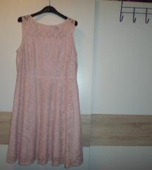 Roza čipkasta haljinica