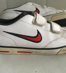 Tenisice Nike 33,5