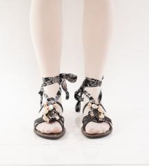 Otkačene sandale