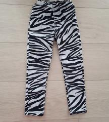 H&M hlače zebra