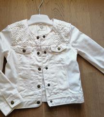 Bijela jaknica sa čipkom