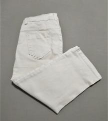 Ženske capri hlače (veličina 28)