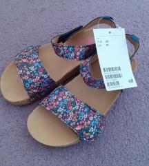 NOVO hm sandalice 28