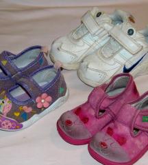 Lot obuće 11-11,5 cm - papuče ,tene, sandalice