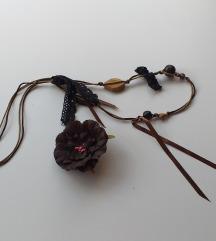 Smeđa ogrlica / broš +2gratis
