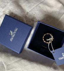 Swarovski prsten zlatni