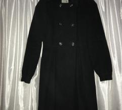 Crni mladenački kaput