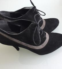 Crne kožne Bata cipele