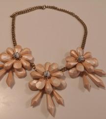 Orsay cvjetna ogrlica