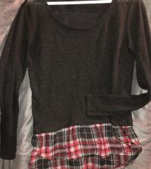 Crna majica kariranim uzorkom