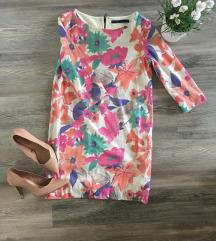 Zara cvjetna haljina od ljuskica