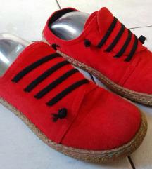Crvene cipele vel. 38