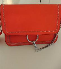 Potpuno nova crvena torbica