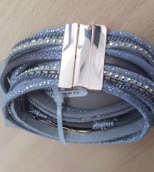 Siva Narukvica na Magnet
