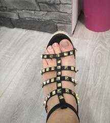 Črne sandale puna peta