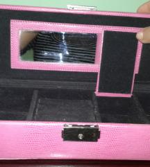 Ružičasta kutija za nakit