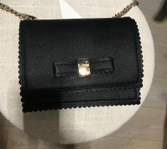 Mala crna torbica Mohito