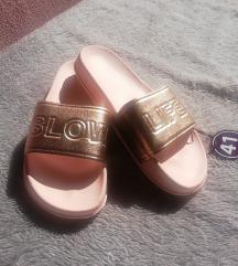 Nove papuče 41