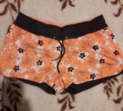 Narančaste kratke hlače