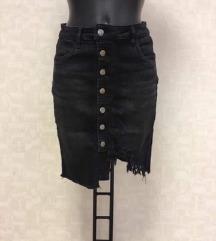 Crna suknja s etiketom