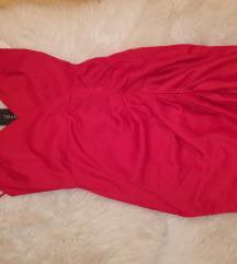 Crvena svecana haljina s etiketom