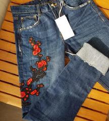 ZARA izvezene hlače / traper / s etiketom