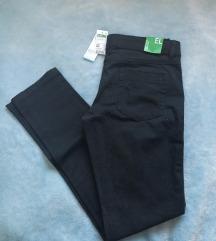 Benetton crne hlače br. 160 (11-12 godina)
