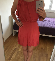 Kratka crvena ljetna haljinica