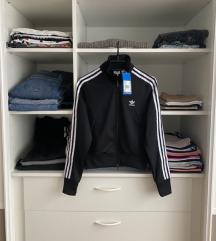 Adidas Originals trenirka s etiketom