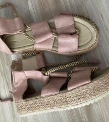 Nove sandale roze 39/40