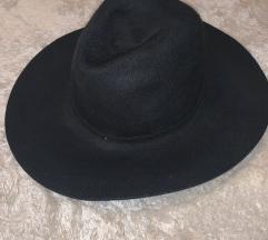 Zara zimski šešir 100% vuna