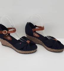 Sandale 99 kn
