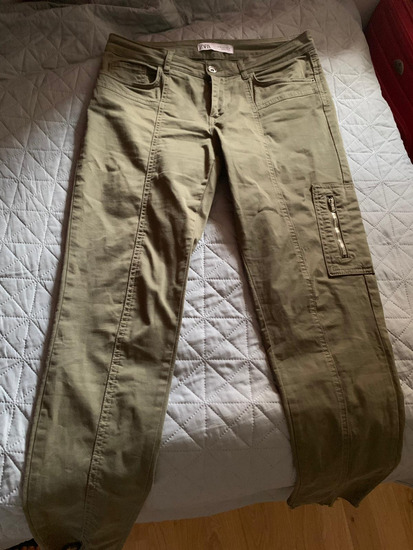 Zara maslinaste hlače (uklj. PP)