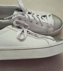 Skechers  tenisice nošene 2 puta