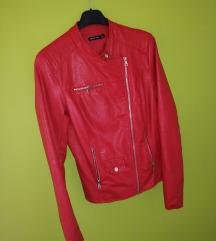 Stradivarius crvena jakna