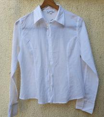 Bijela košulja s fora dizajnom