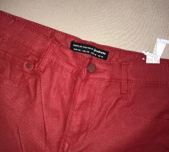 Crvene kozne hlače