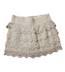 Cipkana bijela suknja