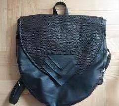 Poppy crni ruksak