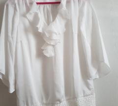 Bijela košulja s volanima