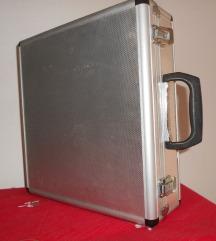 Aluminijski kofer dim. 33 x 31 x 11 cm