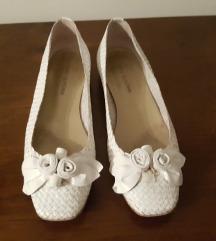 Bijele kožne ravne cipele