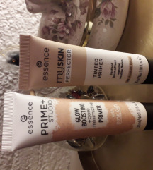 set primer i puder essence