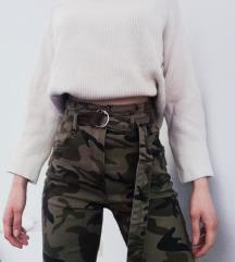 Bershka military hlače