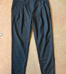 Zara hlače (65 kn)