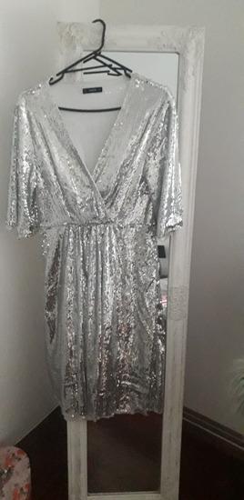 Predivna šljokičasta haljinaa PRODANA