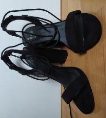 crne sandale na vezanje 36-37