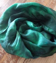 RezzSvilena marama zelena